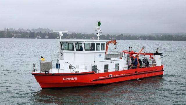 Auf dem Forschungsschiff «Kormoran» des Instituts für Seenforschung entnehmen Wissenschaftler Sediment-, Wasser- aber auch Planktonproben des Bodensees und können so die Wasserqualität und den Zustand des Sees ermitteln.