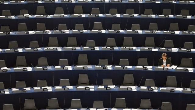Leere Stühle im Europaparlament in Strassburg.
