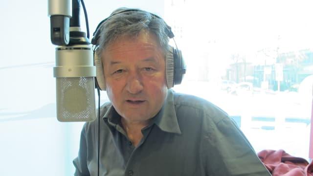 Ernst Denoth am Mikrofon