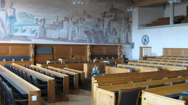 Blick in den leeren Ratssaal im Berner Rathaus.