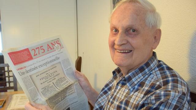 Raymond Niethammer hat über 1100 Zeitungen aus der ganzen Schweiz gesammelt.