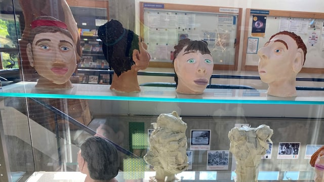 Lavurs da fatschas en scola a Glion
