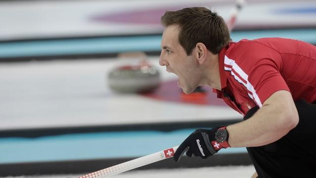 Das Team von Skip Sven Michel muss gegen Russland gewinnen.
