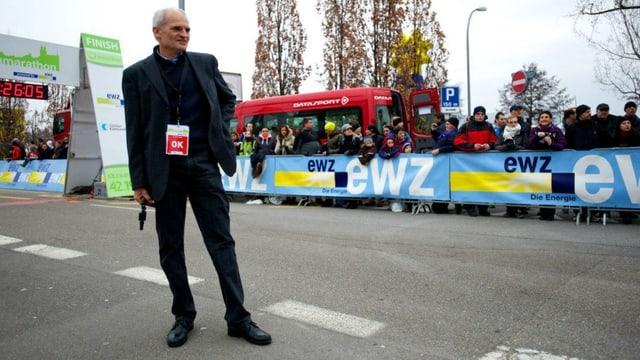 Bruno Lafranchi vor dem Startschuss zum Zürich Marathon.
