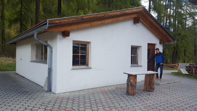 Il nov center per la giuventetgna da la Val Müstair. Riet Scandella (iniziant) spetga cun brama sin l'avertura