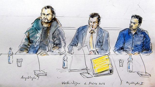Gerichtszeichnung von Karin Widmer. Sie zeigt zwei Angeklagte mit ihrem Anwalt an der Hauptverhandlung.