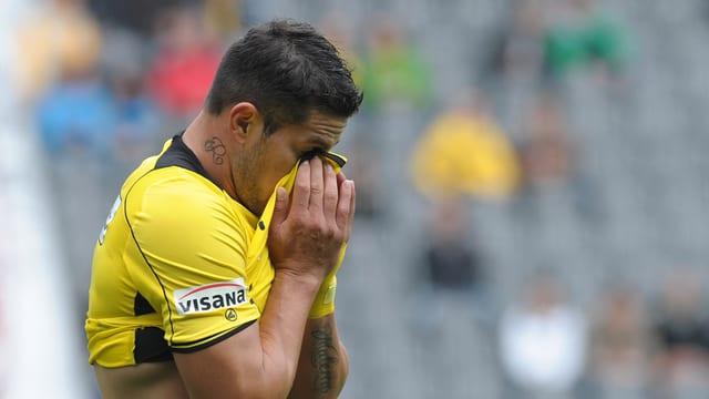 Raul Bobadilla muss auch gegen Sion auf der Tribüne Platz nehmen.