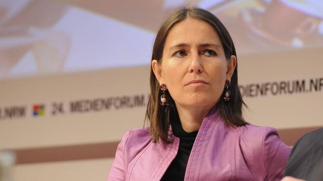 Föderl-Schmid an einer Konferenz