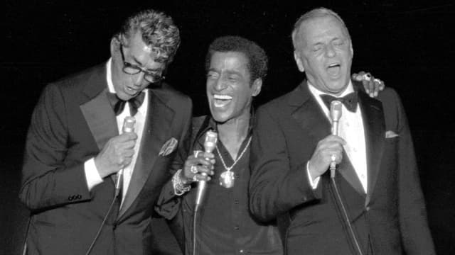 Da sanester: Dean Martin, Sammy Davis Jr. e Frank Sinatra.