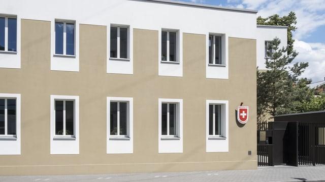 Nov edifizi da l'ambassada svizra a Moscau.