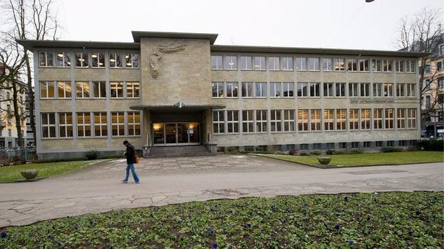 Zentral- und Hochschulbibliothek Luzern von aussen