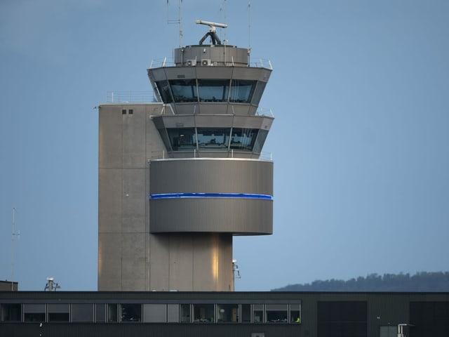 Der Tower am Flughafen Zürich
