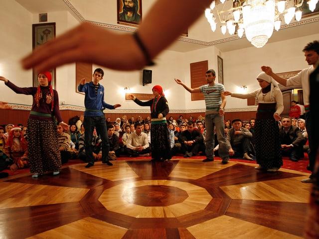 Aleviten während einer Feier in Istanbul.