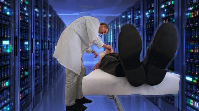 Collage: Arzt untersucht Patient in einem Serverraum