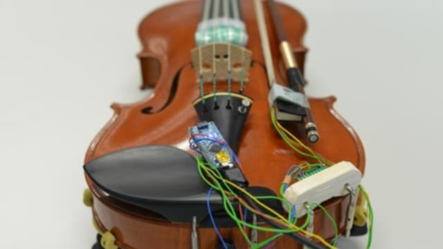 Verkabelte Geige