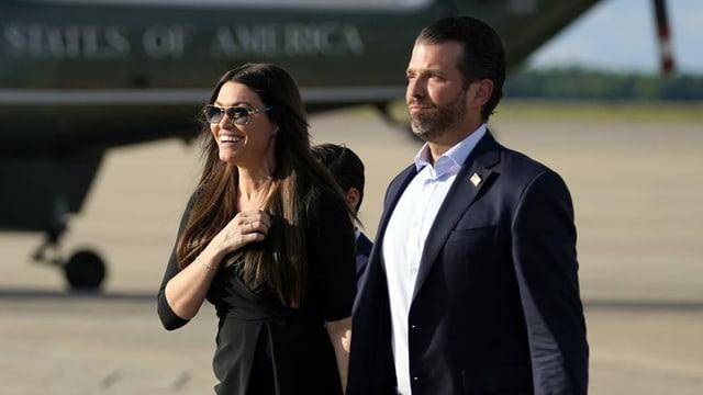 Porträt von Kimberly und Trump Jr.