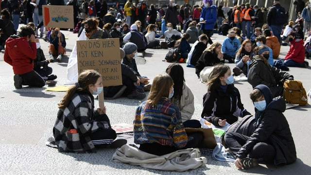 Auch gegen den Protest der Klimajugend ging die Berner Polizei vor.
