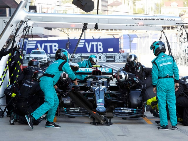 Bei Mercedes gibt es einen positiven Corona-Fall.