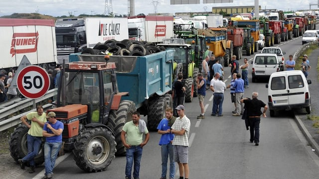 purs blocheschan la via cun tractors