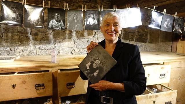 Corina Puorger, la curatura dal museum regiunal Bravuogn.