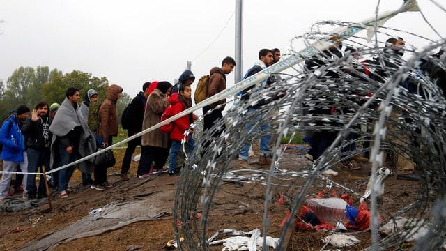 Flüchtlinge nach der Ankunft in Botovo an der kroatisch-ungarischen Grenze
