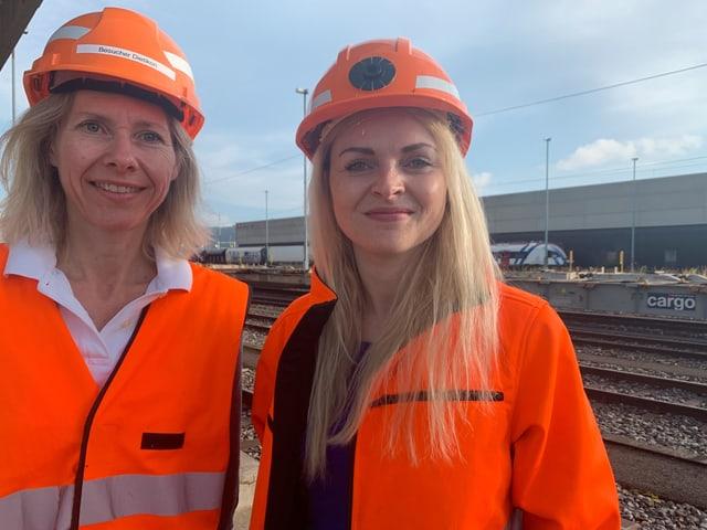 Anna-Maria Sonntag (l.) und Jasmin Bigdon von SBB Cargo. Sie sind zuständig für Automation und Technologie.