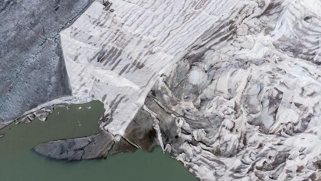 Eisschutzdecke auf dem Rhonegletscher