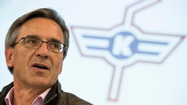 Hans-Ulrich Lehmann an einer Medienkoferenz.