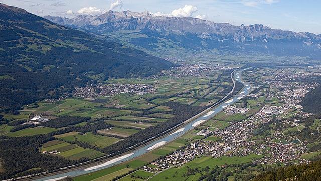 Blick auf den Alpenrhein