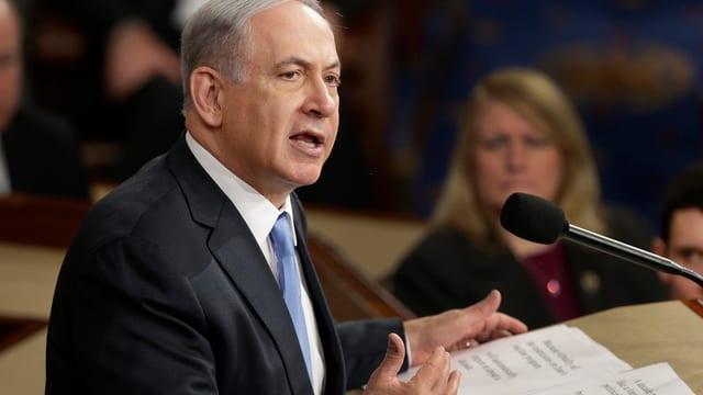 Purtret da Benjamin Netanjahu.