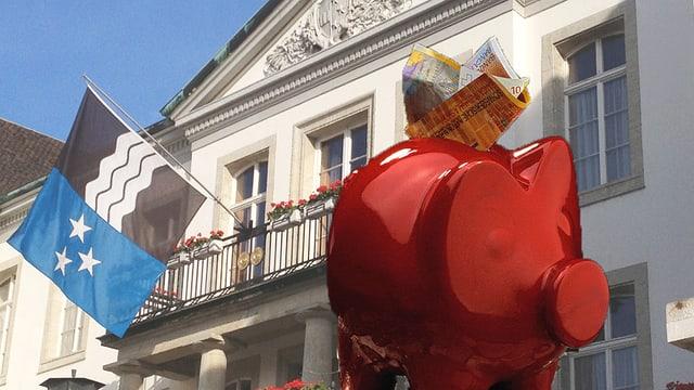 Sparschwein vor Aargauer Regierungsgebäude