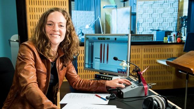 «Wir produzieren pro Jahr etwa 24 neue Hörspiele – nicht zu verwechseln mit Hörbüchern, die reine Lesungen sind», sagt Susanne Janson vom SRF Hörspiel.