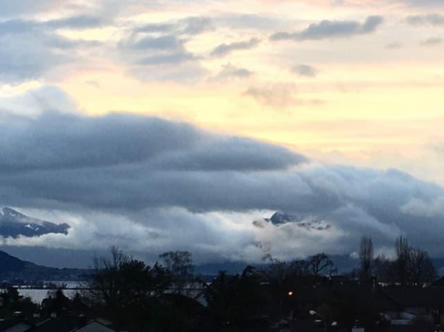Vom Wind geformte Wolken