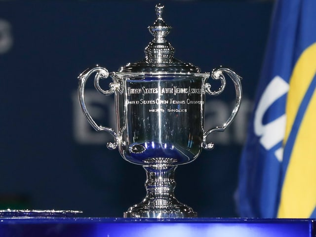 Tennis-Siegerpokal.