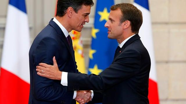 Frankreichs Präsident Emmanuel Macron (r.) und Spaniens Premier Pedro Sanchez (l.)