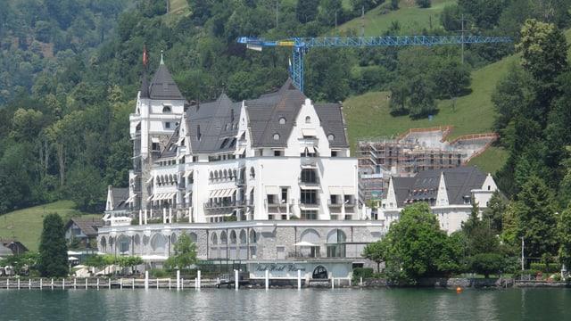 Das Vitznauer Parkhotel am Vierwaldstättersee.
