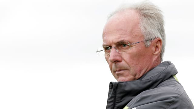 Der weit gereiste schwedische Trainer Sven-Göran Eriksson hat beim chinesischen Club Guangzhou R&F angeheuert. Der Klub gab am Dienstag bekannt, dass der 65-Jährige einen Vertrag über anderthalb Jahre unterschrieben habe. Tags zuvor hatte sich Eriksson nach nur 5 Monaten im Amt als technischer Direktor vom arabischen Club Al Nars getrennt.
