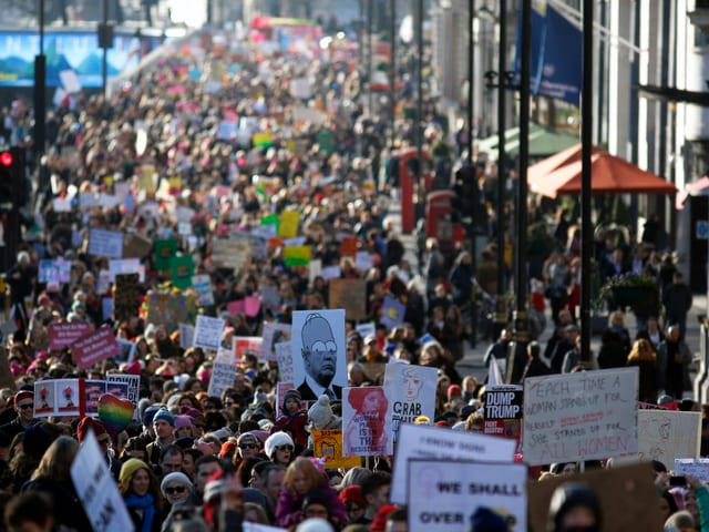 Der Protest ist international: Womens March in London