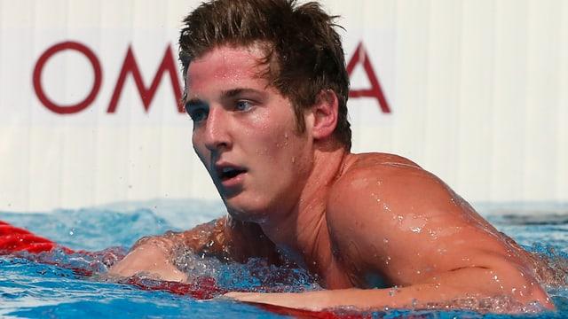 James Feigel im Schwimmbecken