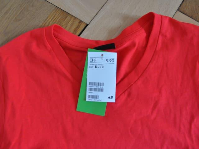 Ein T-Shirt von H&M kostet knapp 10 Franken.
