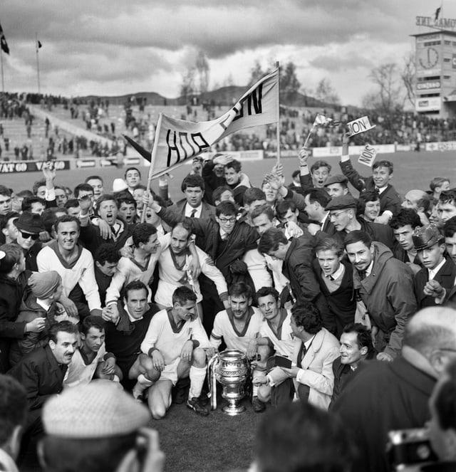 Der erste Cup-Sieg des FC Sion durch ein 2:1 gegen Servette.