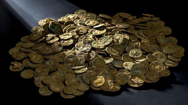 Goldene Römermünzen