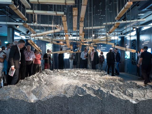 Das Gotthard-Massiv im Kleinformat im Schweizer Pavillon