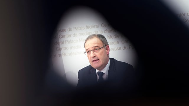 purtret da Guy Parmelin