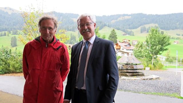 Beat Vonlanthen und Dieter Meyer vor dem Schwyberg