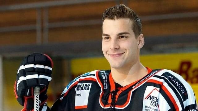 purtret da Livio Roner, hockeyan
