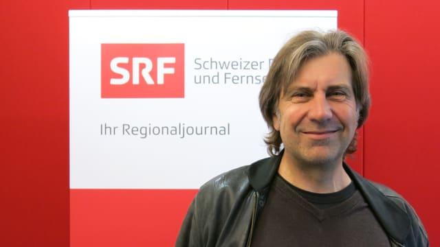 """Portrait von Christoph Meury, dem Leiter des Theater """"Roxy"""" in Birsfelden"""