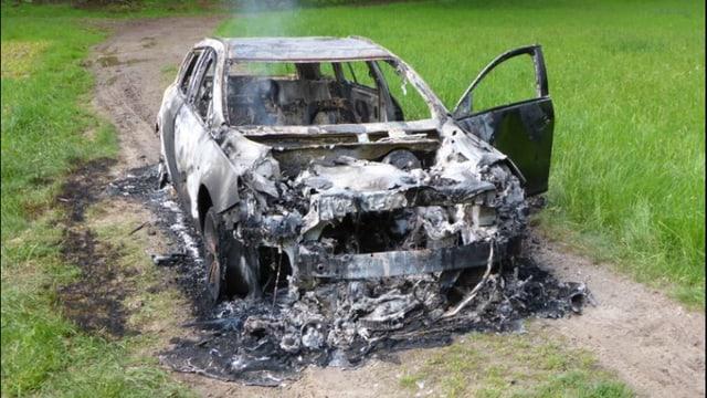 Ein ausgebrannter Wagen