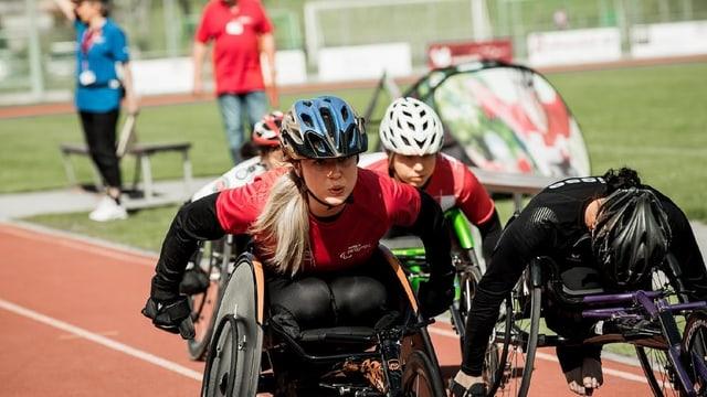 Euling als Rollstuhlsportlerin Elodie.