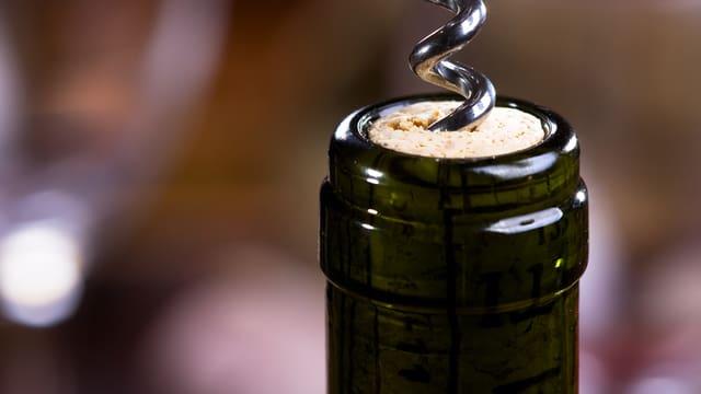 Weinflasche mit Korkenzieher